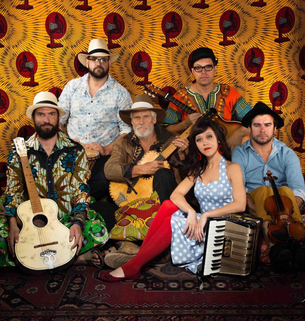 Music News - Radio Kalahari Orkes - Mamba!
